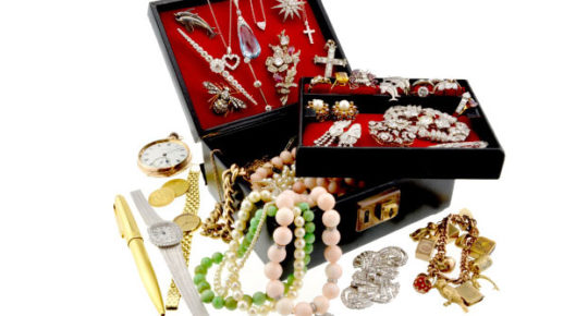 Various peices of Jewellery
