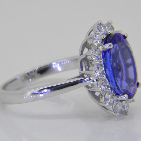 5ct oval Tanzanite from Jethro Marles