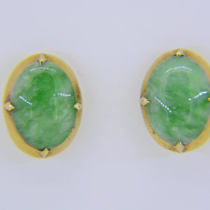 Vintage gold oval jade ear studs