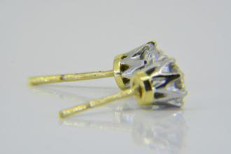 Diamond ear-studs