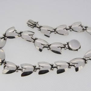 Georg Jensen tulip 66 necklace
