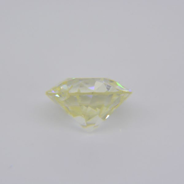 2.5ct K, Si1, round old brilliant