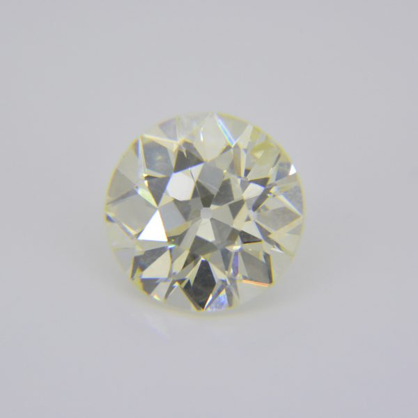 2.5ct round diamond