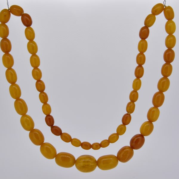 81.1gms Natural amber bead necklace