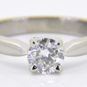 Solitaire diamond 0.57cts ring