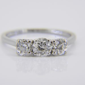 18K diamond 3 stone ring