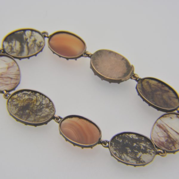 19th century gold & agate bracelet reverse