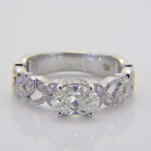 Oval diamond mounted ring
