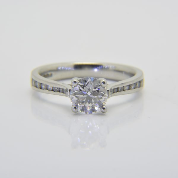 One carat diamond solitaire D Si1