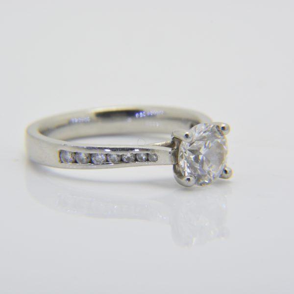 One carat diamond solitaire D Si1