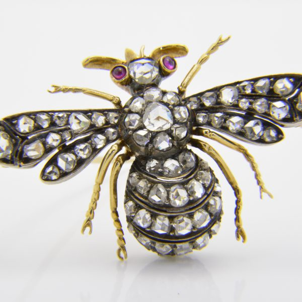 Rose diamond bee brooch