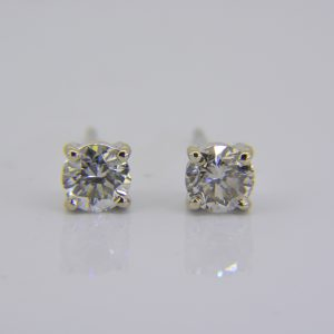 1.15ct diamond ear-studs
