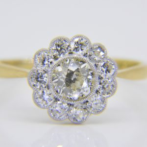 Diamond circular cluster ring