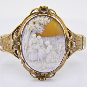Victorian gold & shell cameo bracelet