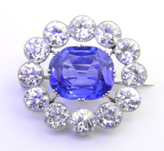 6.5ct sapphire brooch