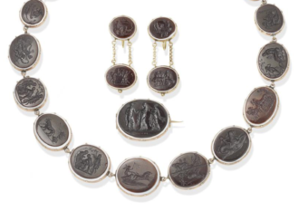 19thC glass intaglio necklace, brooch & earring suite