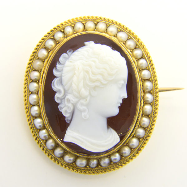 victorian layered agate cameo brooch