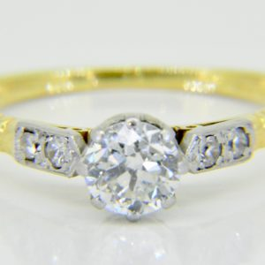 A vintage 0.75ct solitaire diamond ring