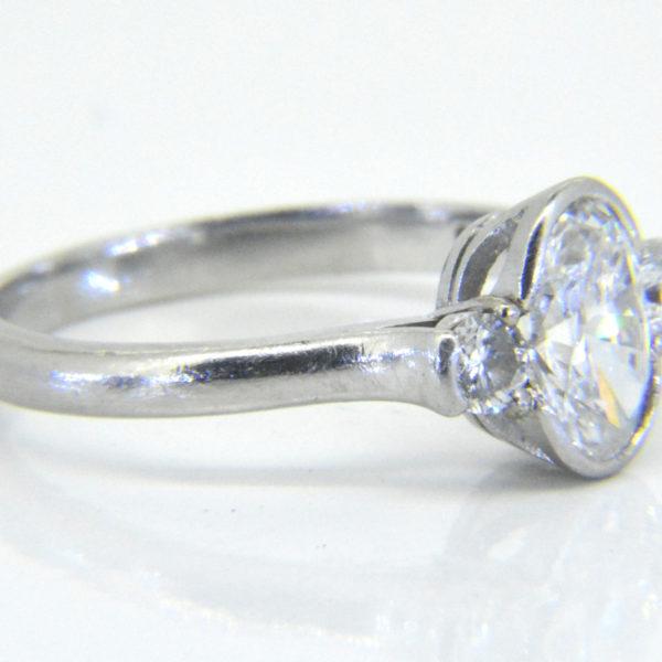 oval diamond ring side